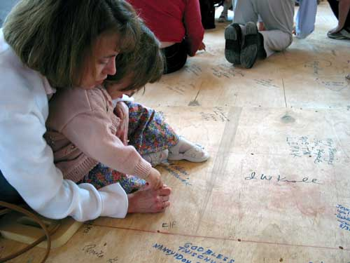 Photo of Floor Signing